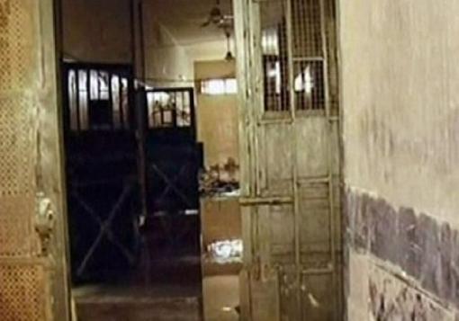 صورة عن احد السجناء : حالة انسانية صعبة ومأساوية داخل سجن حلب المركزي