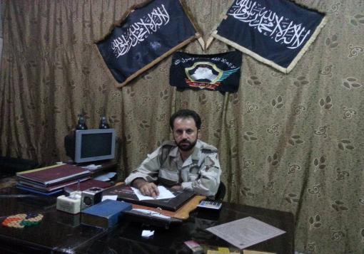 صورة لقاء خاص مع ممثل لواء التوحيد في  – غرفة عمليات الشمال –  المجاهد مضر نجار .