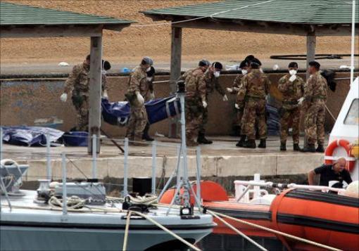 صورة الموت يلحق السوريين الى السواحل الإيطالية ..!!!