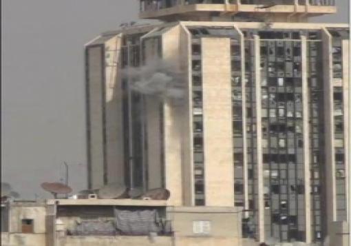 صورة الثوار في حلب يستهدفون النظام في عقر داره بمدفع محلي الصنع ( جهنم )