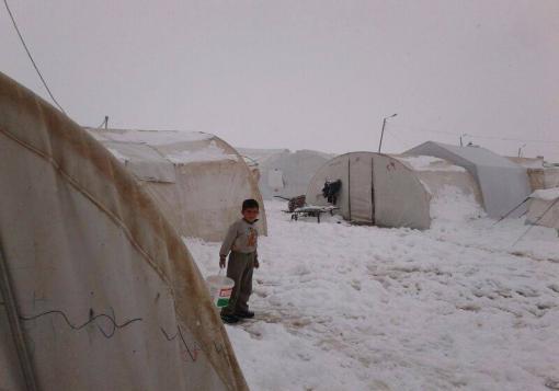 صورة شتاءٌ قاسٍ يمرُّ على السوريين  ,,, مخيم اعزاز نموذجاً