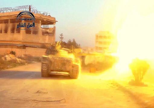صورة الثوار يفجرون دوار البريج و يحرقون تلة الشيخ يوسف  في حلب