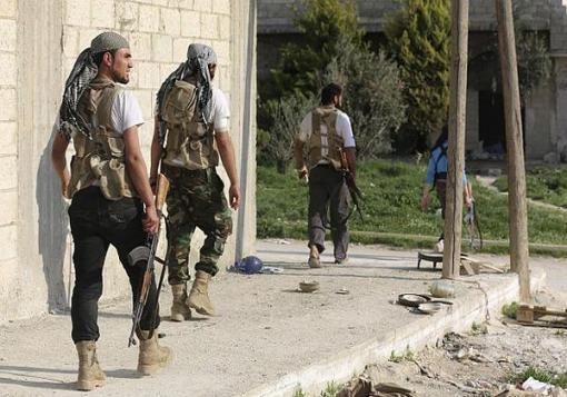 صورة معارك في الأشرفية والخالدية وحزم تدمر مدفع لقوات الأسد