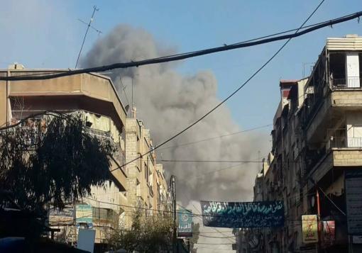 صورة الأسد يرد على استهداف معاقله بدمشق بارتكاب المجازر في دوما