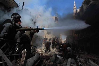 صورة الأسد يقتل أسراه لدى جيش الإسلام