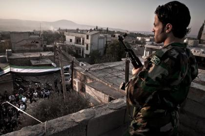 صورة قائد في الجيش السوري الحر: تمكنا من إحباط محاولة النظام في حصار مدينة حلب