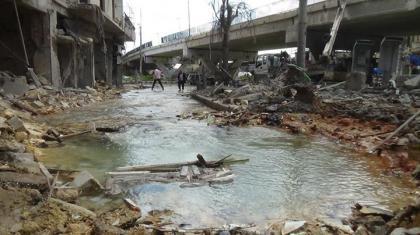 صورة تضرر منظومات الخدمات العامة بحلب بسبب القصف العنيف الذي تشنه طائرات الأسد