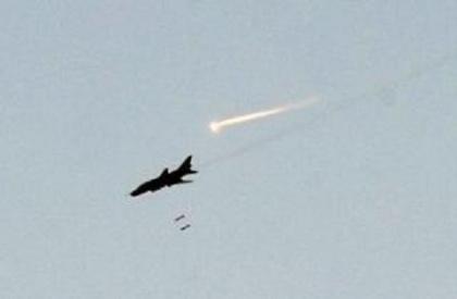 صورة طيران الأسد يشن عشرات الغارات على حلب وريفها