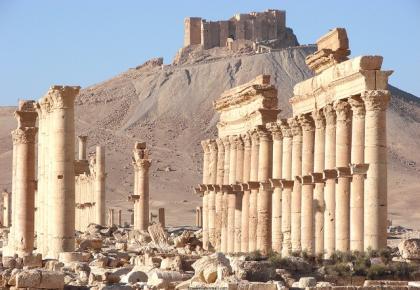 صورة داعش تتقدم وقوات الأسد تتقهقر في البادية