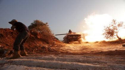 صورة جيش الفتح يحكم الحصار على معسكر المسطومة