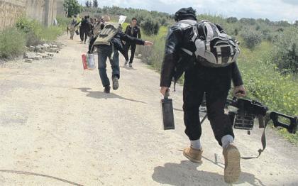 صورة الثوار يسيطرون على عدة مواقع في الراشدين ومقتل 40 عنصر من قوات الأسد