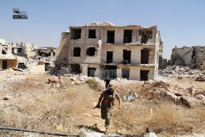 صورة ثوار فتح حلب يتصدون لقوات الأسد قرب البحوث العلمية