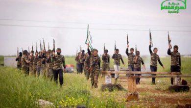 صورة انتحاريان يفجران نفسيهما في مقريين عسكريين لأحرار الشام بريف إدلب