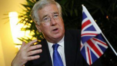 صورة وزير الدفاع البريطاني يقول إنه منزعج من الضربات الروسية في سوريا