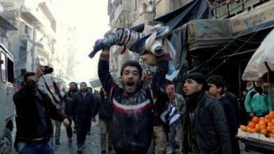 صورة ضحايا مدنيون في قصف جوي روسي على ريف حلب.. وتواصل الاشتباكات المتقطعة