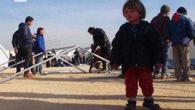صورة معارك عنيفة على مشارف رتيان، وأكثر من 50 ألفاً عالقون على الحدود التركية