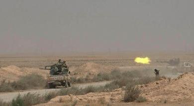 صورة داعش يستعيد معظم مواقعه جنوب شرق الرقة ويقتل العشرات من قوات الأسد