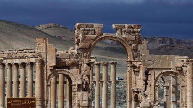 صورة الأسد يسلم تدمر وكميات كبيرة من الأسلحة والذخائر لداعش