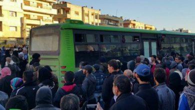 صورة وصول دفعة من مهجري الوعر الحمصي إلى إدلب