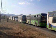 صورة دفعة جديدة من مهجَّري عرسال تصل فليطة في طريقها إلى الرحيبة قرب دمشق