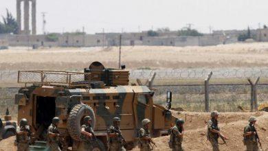صورة تركيا تدفع بتعزيزات عسكرية جديدة إلى حدودها مع سوريا