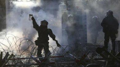 صورة الاتحاد الأوروبي يبرر إطلاق اليونان رصاصا مطاطيا ضد المهاجرين