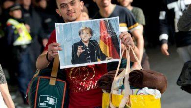 صورة خمس سنوات على موجة اللاجئين إلى ألمانيا.. هل كسبت ميركل التحدي؟