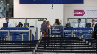 صورة قاضٍ بريطاني يلغي رحلة ترحيل جديدة للاجئين سوريين