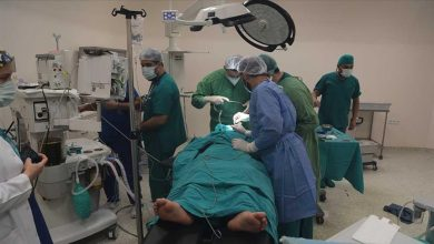 صورة خلال يومين.. أطباء أتراك يجرون 40 عملية جراحية شمالي سوريا