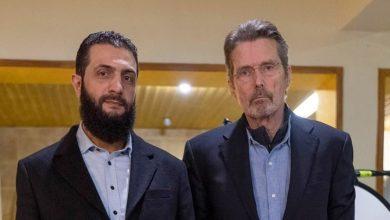 """صورة صحيفة بريطانية: هل تقنع بدلة """"الجولاني"""" تركيا والمجتمع الدولي باعتداله؟"""