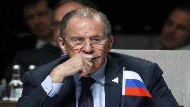 صورة لافروف يرفض ربط الانتخابات السورية بانتهاء عمل اللجنة الدستورية
