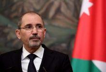 صورة وزير الخارجية الأردني يدعو لاتخاذ خطوات لتحسين معيشة السوريين