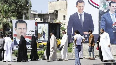 صورة صحيفة فرنسية تبين الأسباب التي ساعدت الأسد على الاستمرار رغم المعارضة له