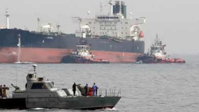 صورة خمس ناقلات نفط روسية وإيرانية تصل ميناء بانياس