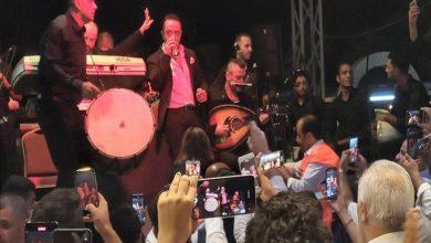 صورة من قلب تركيا.. الديك يطلق هتافات مؤيدة لبشار الأسد