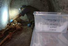 صورة علماء آثار يعثرون على بقايا بشرية مثيرة للدهشة في مدينة رومانية