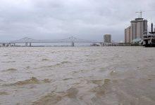 صورة إعصار يتسبب في قلب مسار نهر المسيسيبي عكس مجراه