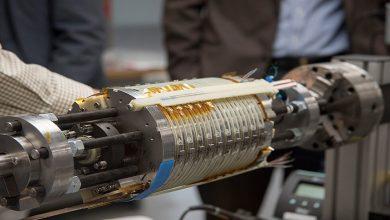 صورة يزيد بمقدار مليون مرة على توتر الحقل المغناطيسي للأرض.. اختبار شدة أقوى مغناطيس نووي