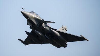 صورة مع تصاعد التوتر.. الجزائر تقفل أجواءها أمام الطيران العسكري الفرنسي